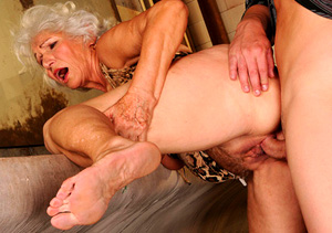 top pay porn sites for horny grannies