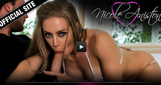 nicole aniston review